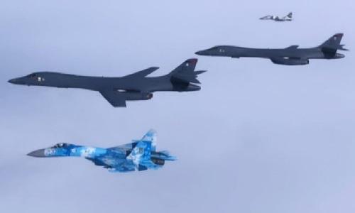Suprovid-ukrayinskymy-Su-27-ta-MiG-29-.jpg