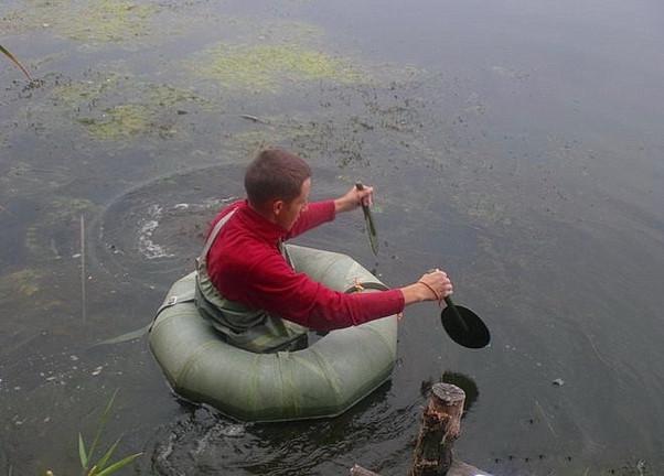 Сидит рыбак на берегу....jpg